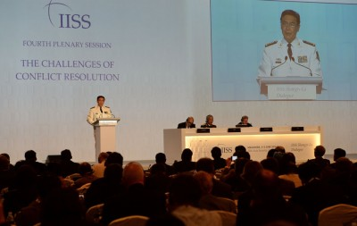 """孙建国在新加坡""""香格里拉对话""""上炮轰,菲律宾提出南中国海仲裁案,是违反国际法的行为。(法新社照片)"""