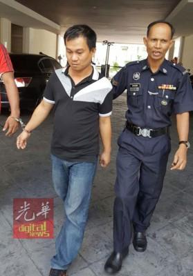 被告当庭认罪,判监禁14天与罚款5000令吉。