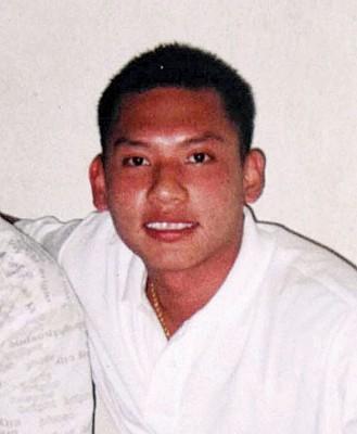 当时年仅26岁的谢文来,却不幸遭人乱刀砍死。
