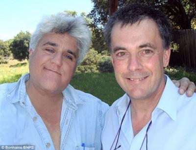 怀特死前不忘医护人员照顾之恩,将值钱的财物拍卖,捐1000万英镑予医院。