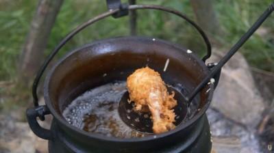 18世纪英式炸鸡食谱于网上广为传阅。
