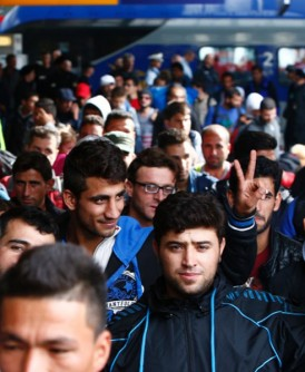 一名难民拾金不昧,将15万欧元送交当局。