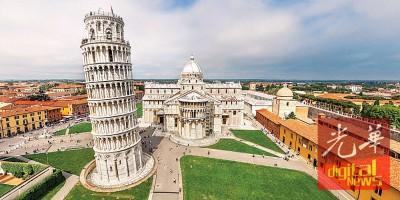 比萨斜塔为世界著名建筑奇观,意大利的标志之一。