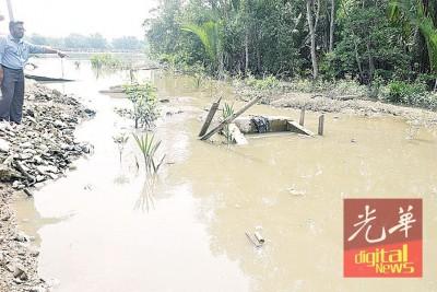 沟渠阻塞引发潮水。