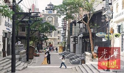 观澜湖新城冯小刚电影公社 1942民国风情街,取材于冯小刚电影《温故1942》。