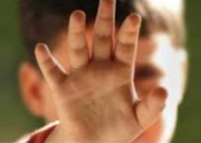 达兰蒂尔在海外性侵无数男童,最先被美国联邦调查局揭发。