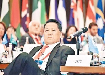 吴立胜给指控行贿等罪。