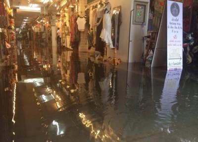 """暹罗广场都变""""水上市场""""。"""