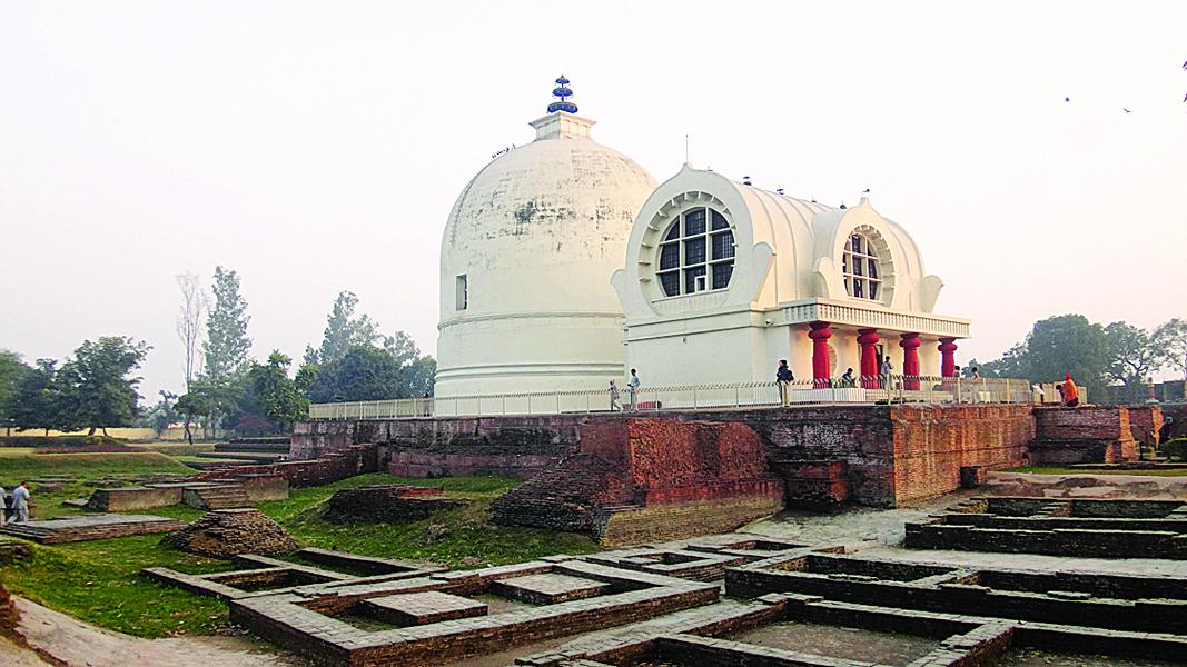 克尸那迦为释加牟尼圆寂地,佛教徒尊该地为佛陀涅槃地。