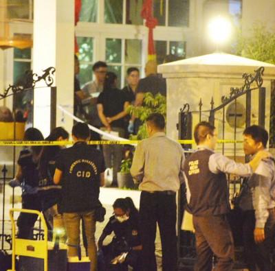 警方封锁现场,多名警员和刑事侦查局人员到场调查。