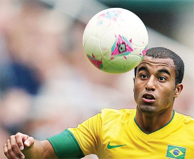 稍卢卡斯替代拉菲尼亚,将出征本全面开始踢的世纪美洲杯。