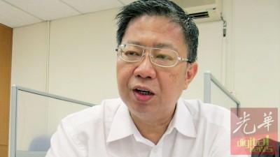 倪传鹏,槟州中华总商会产业发展、建筑及管理委员会中的古迹及旅游分会主任。