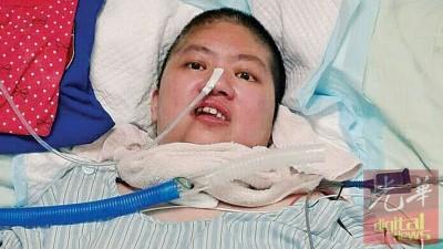 经过将近3个月的治疗,终能回国的谢秀琪精神状态及心情显然不错。