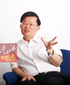 曹观友从政岁月,在今年9月就足30年,用心实干。