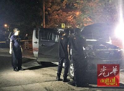 经过一整天的埋伏等候,嫌犯依然未露面取车,警方科学鉴证组约晚上10时10分抵达现场在轿车搜证。