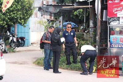 派出所鉴证组再次重返现场,连以草丛中寻找获一枚子弹。