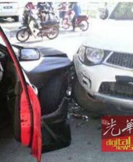 事主不惜用驾驶着的三菱Triton撞失车,阻止对方前行。(取自社交媒体)