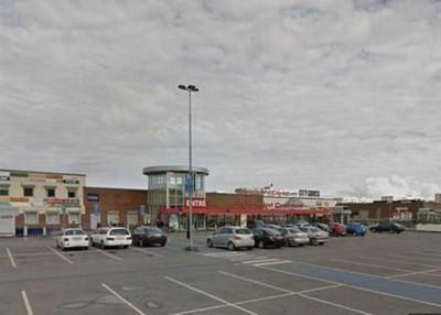 瑞典一个购物中心发生枪击事件,图为案发现场。