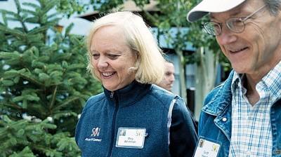 惠特曼(左)力阻特朗普入主白宫。