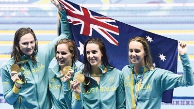 澳洲女队在百米自由泳接力赛拿下澳洲第二金。