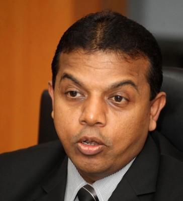 全国警察政治部反恐组主任拿督阿育甘高级助理总监受询时指出,警方目前正在全力寻找8枚手榴弹的下落。