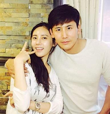 秋瓷炫与中国男星于晓光去年认爱,预计今年结婚。