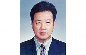 槟城篮球总会会长拿督黄坤荣DSPN。
