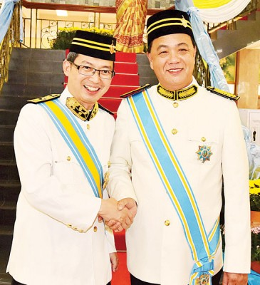 槟州行政议员刘子健恭贺拿督陈建得获封DSPN。