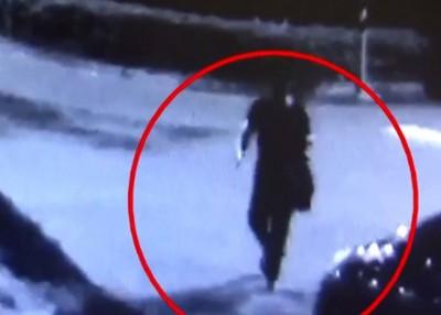 闭路电视拍到赖男行凶后离开的画面。