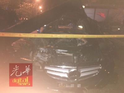 房车遭烧成犹如废铁,车牌有一个大马皇家空军休闲俱乐部的徽章。