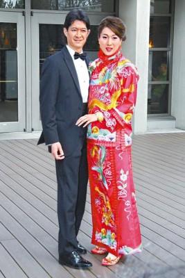 在温哥华闪嫁医生老公Jeremy的嘉欣,当时已传奉子成婚。