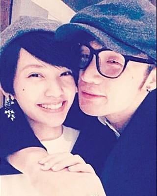 杨丞琳与李荣浩秘恋爆曝光,巧是他微博上传后秒删的1张亲密贴脸合照。