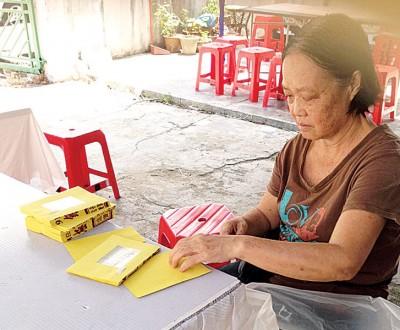 陈桂叶:5岁孙女因为至亲去世而静了许多,也让我心疼不已。