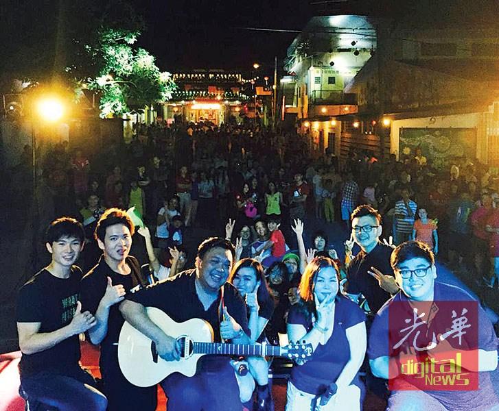 """在沙威新村举办的""""沙威艺起来""""国庆日活动,获得当地居民的踊跃参与。"""