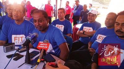霹雳州务大臣拿督斯里赞比里表示司南马县是全国首5个快乐指数高的乡镇。