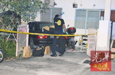 鉴证组警员在家单位采证。