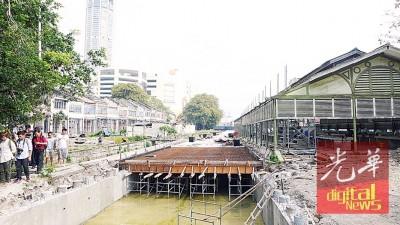社尾万山改为交通枢纽引起争议不断。