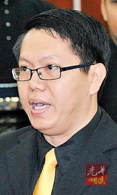 王敬文证实推荐的4名有功人士也被拒。
