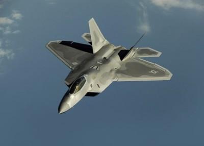 美军派出F-22拦截叙利亚战机。
