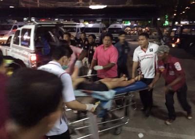 伤者被火速送院治疗。(马新社照片)