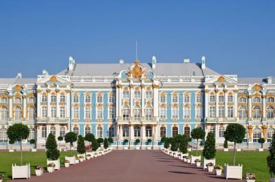 叶卡捷琳娜宫位于俄罗斯圣彼得堡郊外的普希金市。