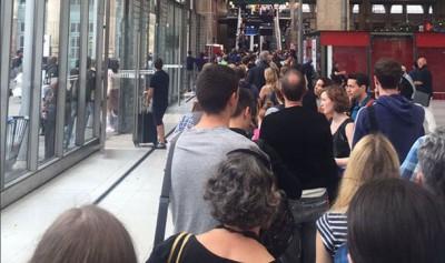 因发现可疑物品,巴黎北站乘客疏散。