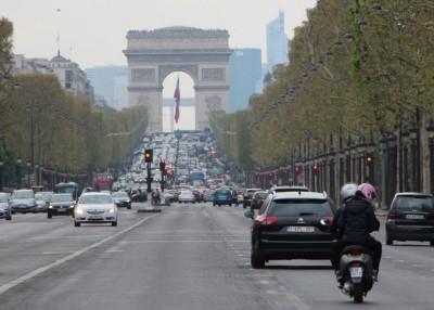 法国研究奖励购买电动摩托车的人物,因增进人民的环保意识。