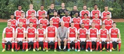 2016年阿仙纳全队合照。
