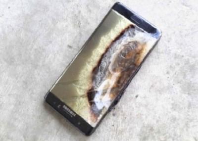 手机Galaxy Note 7因为电池过热,造成起火而用紧急回收。