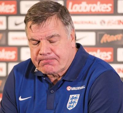 """英格兰队主帅""""大山姆""""阿勒代斯祸从口出,自毁前程。"""