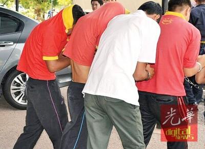 霸凌14岁中学生的4名学生延扣3天至9月4日。