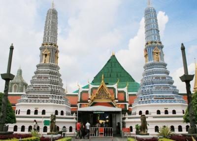 玉佛寺将实施分时段开放,以缓解拥挤的观光环境。