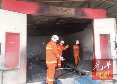 汽车电漆烘热房失火。