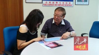 杨女士(左)持男子照片及支票副本向张天赐求助。
